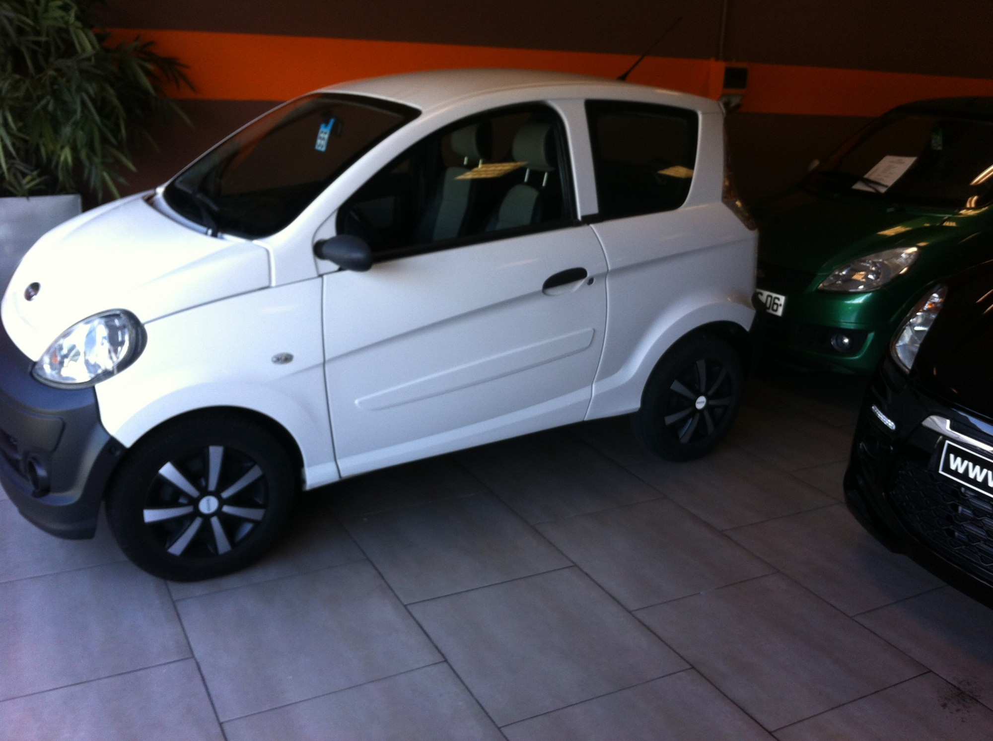 microcar mgo initiale occasions nice alpes maritimes paul position. Black Bedroom Furniture Sets. Home Design Ideas